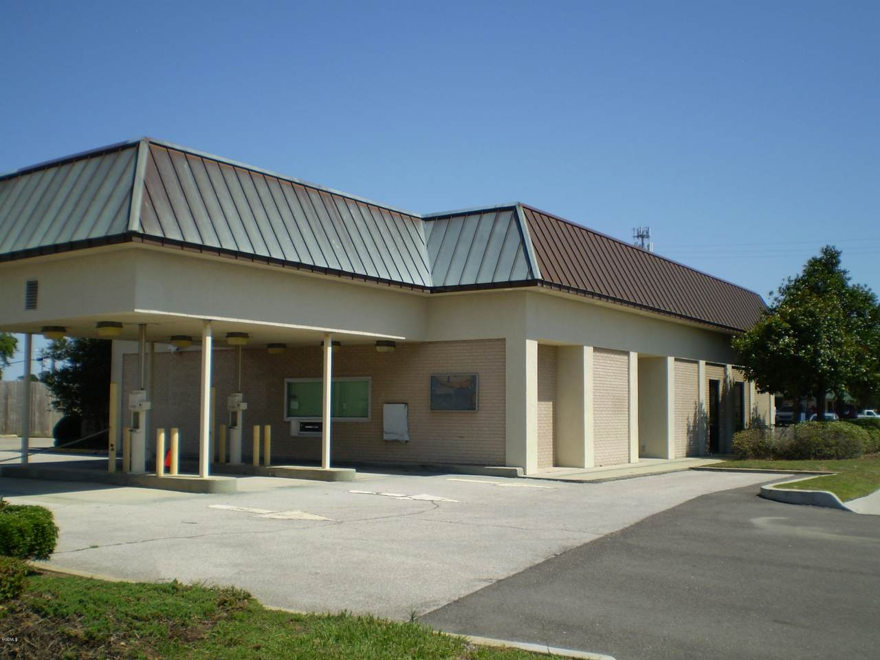 602 Courthouse Road - Photo 1