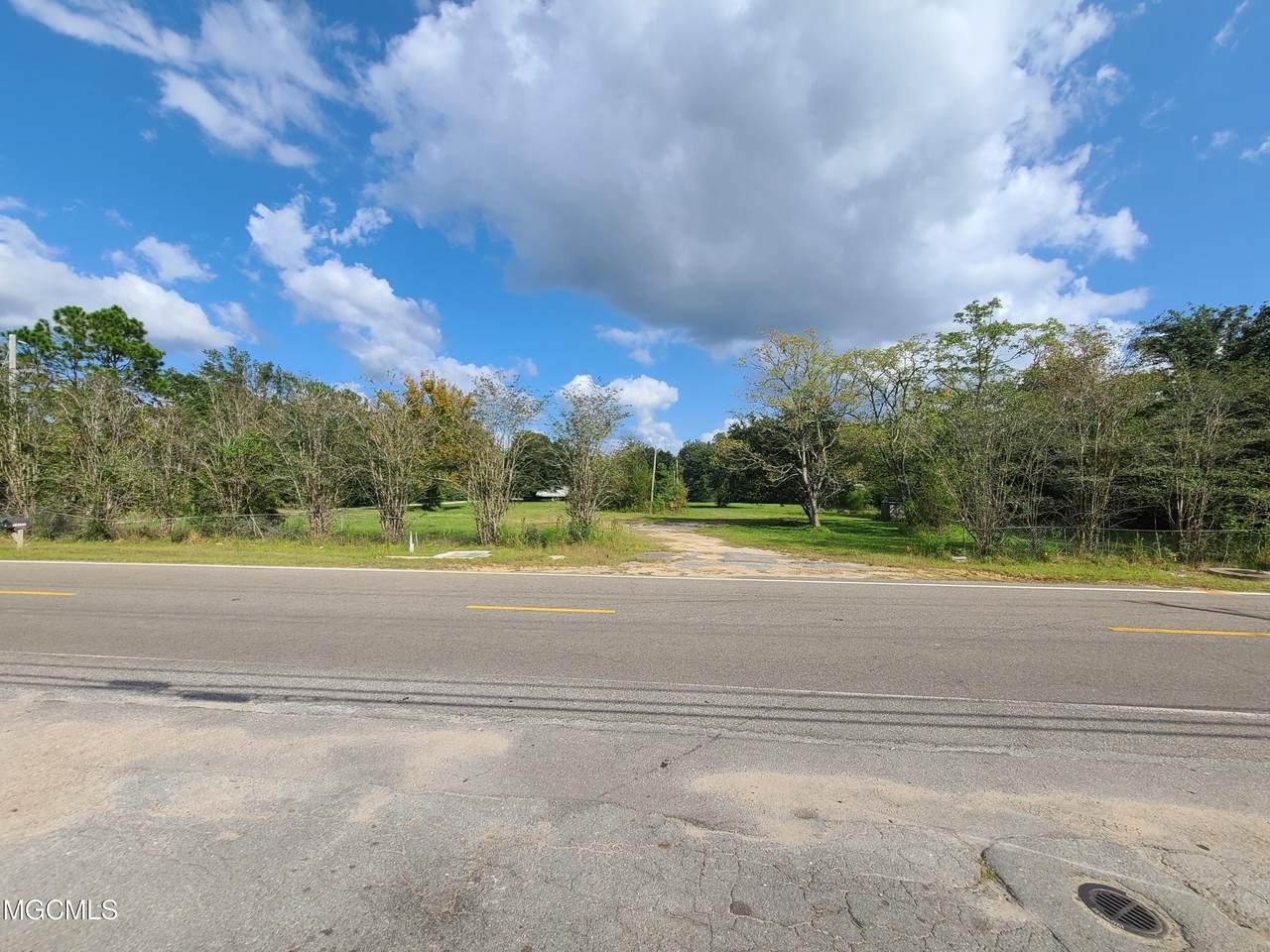 13100 Hudson Krohn Road - Photo 1