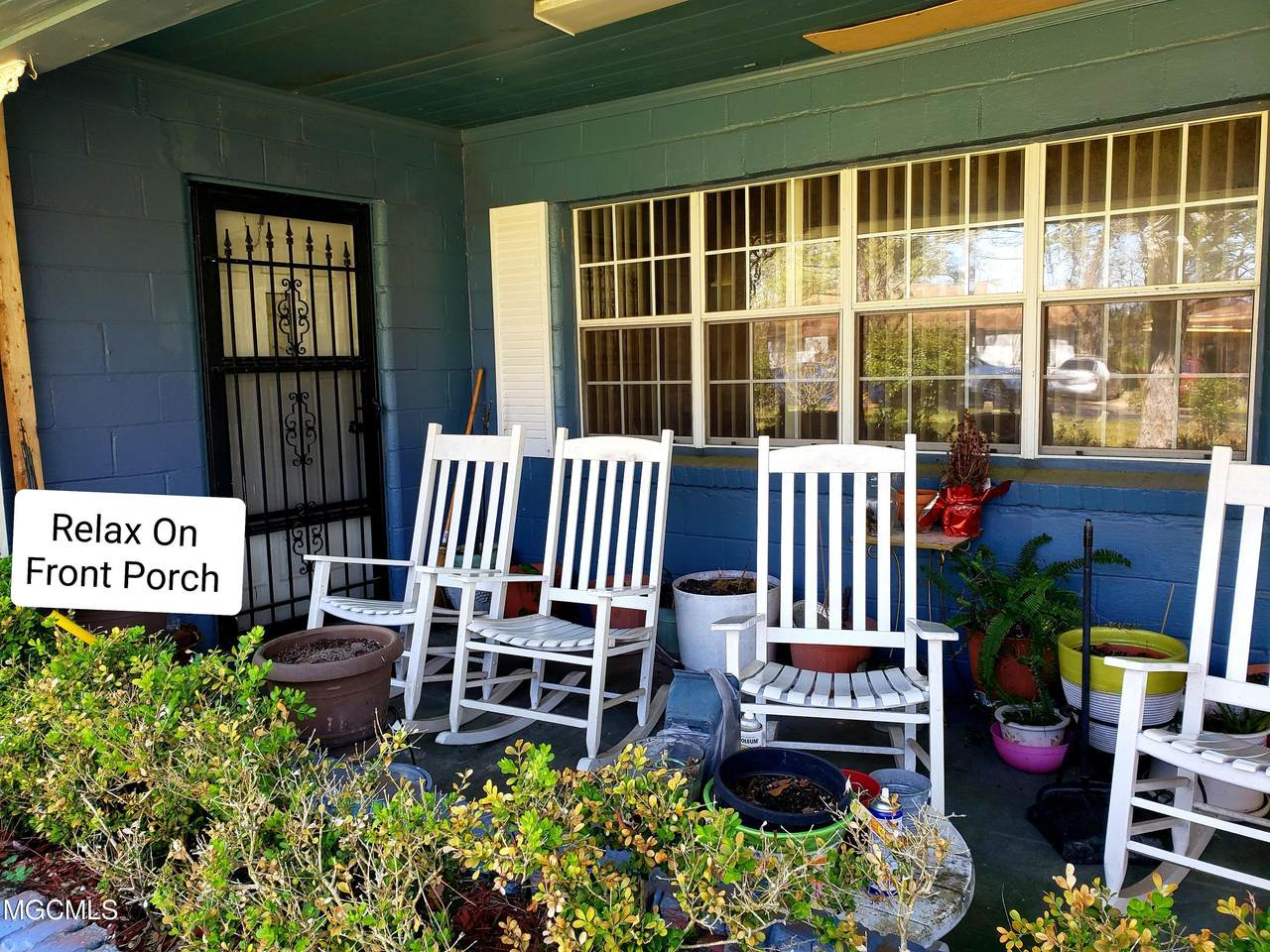4518 Community Avenue - Photo 1