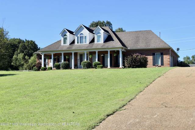 114 Old Lake Cove Cove, Batesville, MS 38606 (MLS #2337995) :: Burch Realty Group, LLC