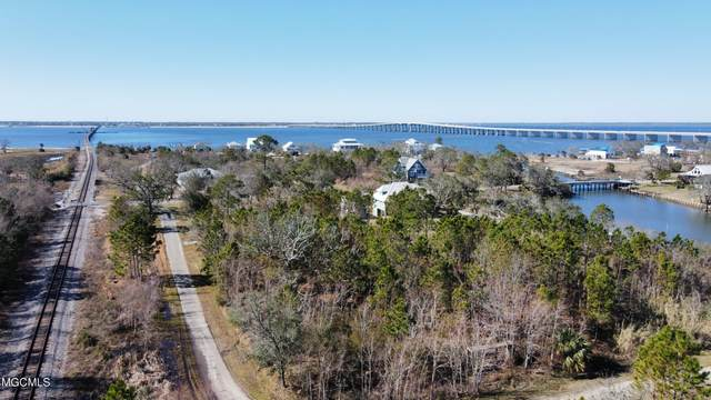 405 4th Avenue, Pass Christian, MS 39571 (MLS #3360772) :: Berkshire Hathaway HomeServices Shaw Properties