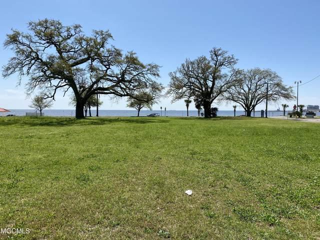1542 E Beach Boulevard, Gulfport, MS 39501 (MLS #3373239) :: Berkshire Hathaway HomeServices Shaw Properties