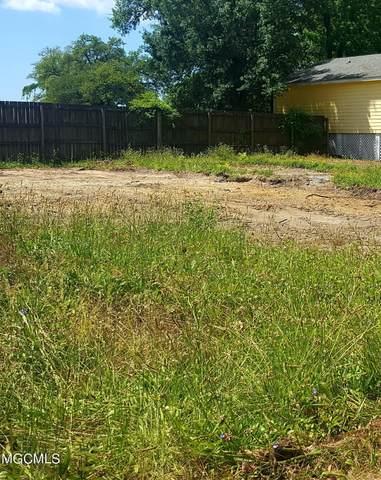 240 16th Street, Gulfport, MS 39507 (MLS #3375333) :: The Demoran Group at Keller Williams