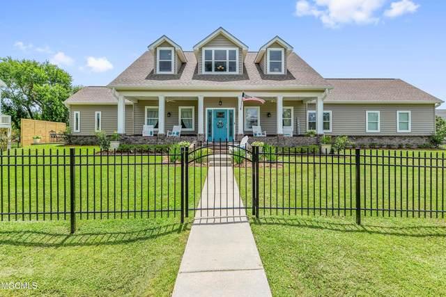 221 Hoffman Lane, Waveland, MS 39576 (MLS #3377668) :: Berkshire Hathaway HomeServices Shaw Properties