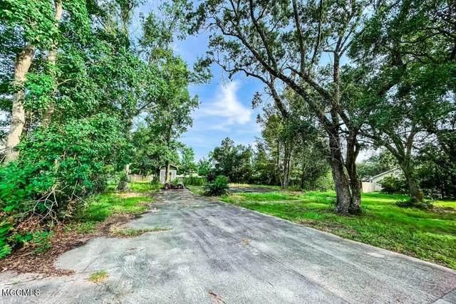 10420 Pin Oak Drive, Biloxi, MS 39532 (MLS #3378628) :: Berkshire Hathaway HomeServices Shaw Properties