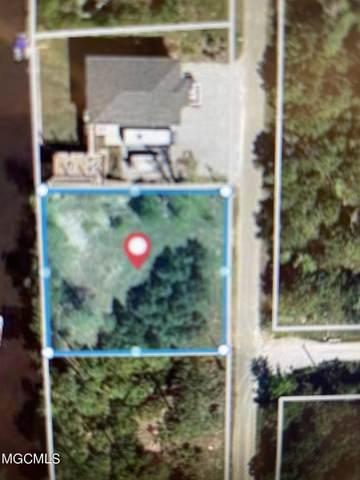 44 Wolfe Street, Bay Saint Louis, MS 39520 (MLS #3379203) :: The Demoran Group at Keller Williams