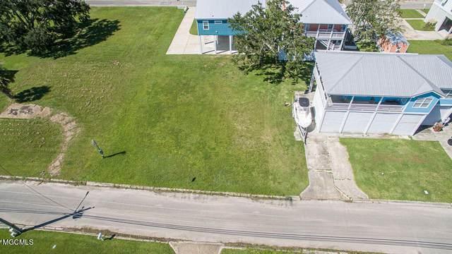 125 Vista Drive, Pass Christian, MS 39571 (MLS #3379945) :: Berkshire Hathaway HomeServices Shaw Properties