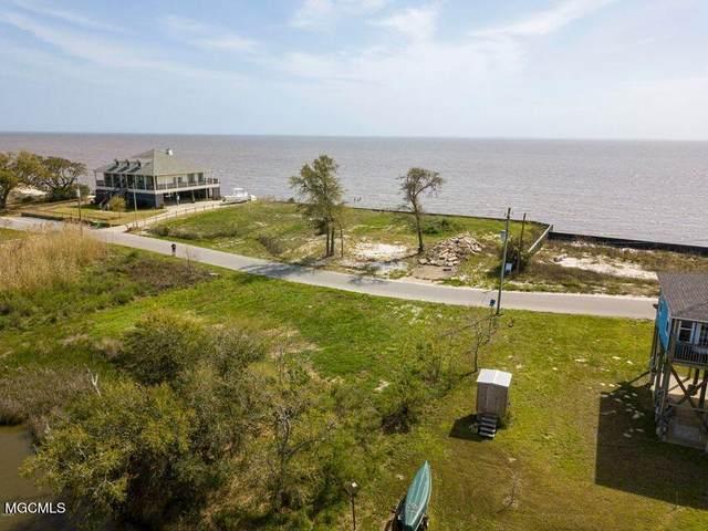 6631 Belle Fontaine Drive, Ocean Springs, MS 39564 (MLS #3380494) :: The Demoran Group at Keller Williams