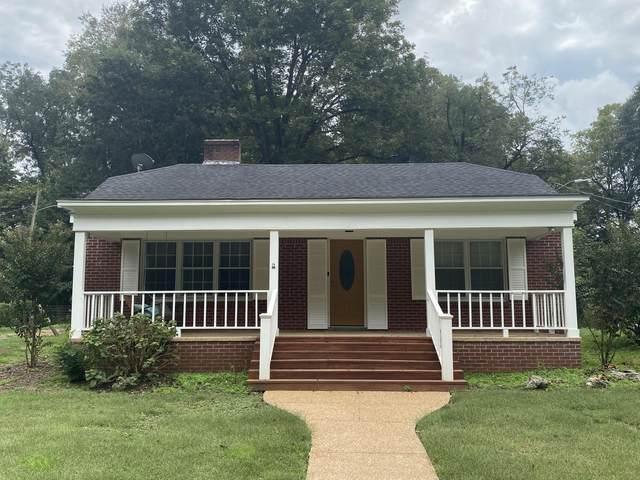 207 E Gilmore Street, Senatobia, MS 38668 (MLS #4000721) :: Your New Home Key