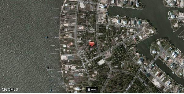 625 Ponce De Leon Boulevard, Pass Christian, MS 39571 (MLS #3316353) :: The Demoran Group at Keller Williams