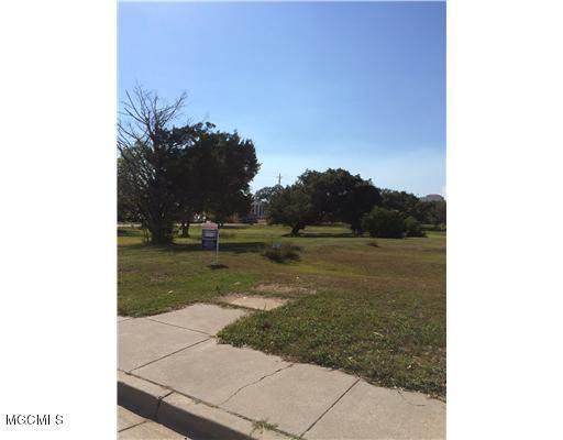 127 Myrtle Street, Biloxi, MS 39530 (MLS #3327557) :: Berkshire Hathaway HomeServices Shaw Properties