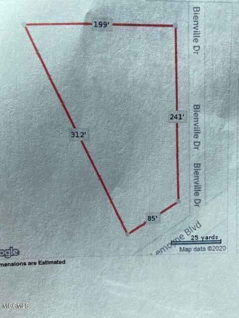 6817 Bienville Drive, Biloxi, MS 39532 (MLS #3367701) :: The Demoran Group at Keller Williams