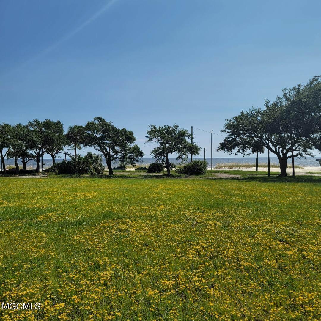 2060 Beach Boulevard - Photo 1
