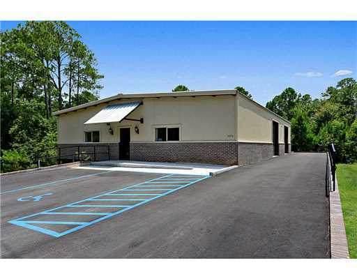 4214 Bienville Boulevard, Ocean Springs, MS 39564 (MLS #3380037) :: The Demoran Group at Keller Williams