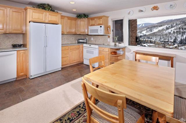 1116 Sandstone Drive #402, Vail, CO 81657 (MLS #931526) :: Resort Real Estate Experts
