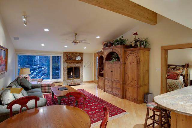 114 Willow Place #33, Vail, CO 81657 (MLS #1002011) :: eXp Realty LLC - Resort eXperts