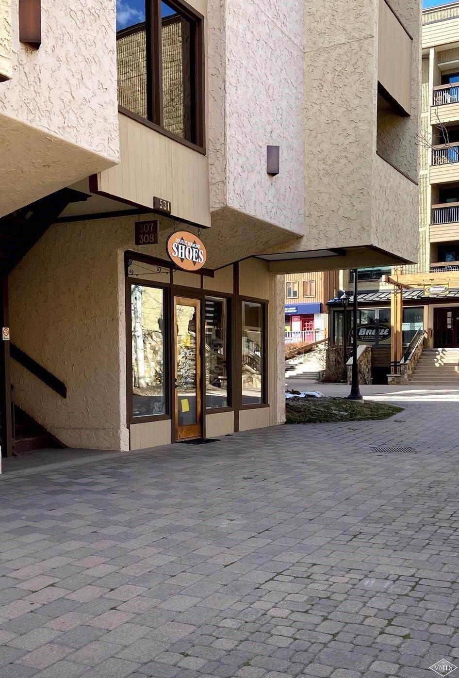 531 Lionshead Circle - Photo 1