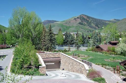 595 Vail Valley Drive, Vail, CO 81657 (MLS #932438) :: Resort Real Estate Experts