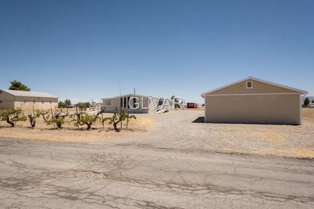 1051 W Vondell, Pahrump, NV 89048 (MLS #2006092) :: The Snyder Group at Keller Williams Realty Las Vegas