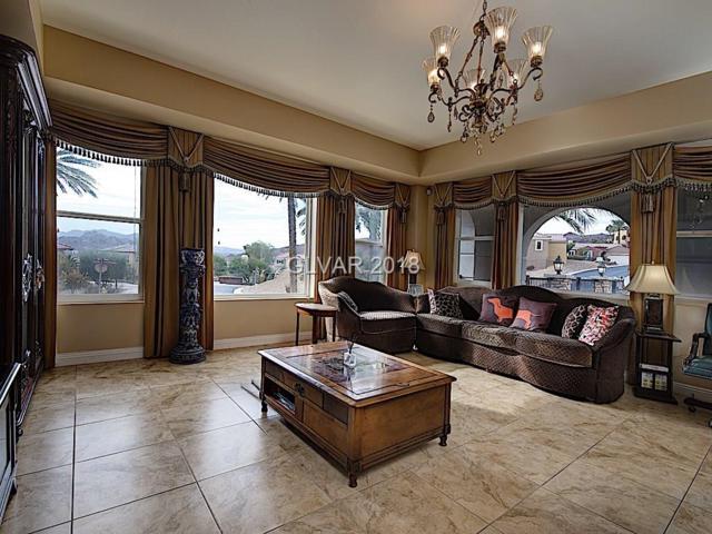 64 Strada Principale #201, Henderson, NV 89011 (MLS #2053915) :: Signature Real Estate Group
