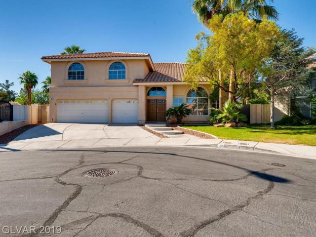 2 Red Fawn, Henderson, NV 89074 (MLS #2107393) :: The Snyder Group at Keller Williams Marketplace One