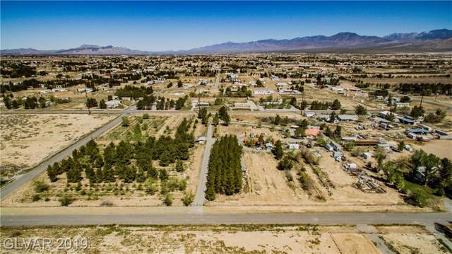 1811 E Thousandaire, Pahrump, NV 89048 (MLS #2136837) :: The Snyder Group at Keller Williams Marketplace One