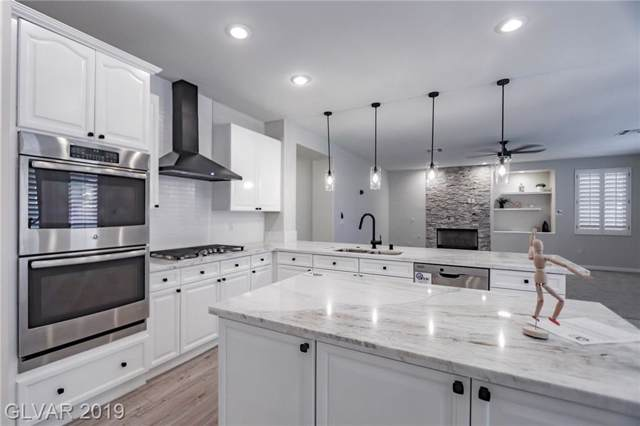 1822 Country Meadows, Henderson, NV 89012 (MLS #2142312) :: The Snyder Group at Keller Williams Marketplace One