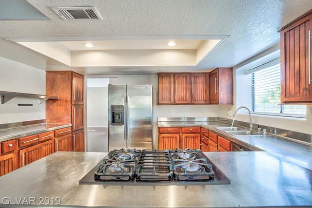 1950 Nuevo, Henderson, NV 89014 (MLS #2145702) :: The Snyder Group at Keller Williams Marketplace One