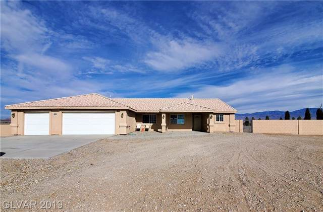 2670 W Wisteria, Pahrump, NV 89048 (MLS #2153297) :: The Snyder Group at Keller Williams Marketplace One