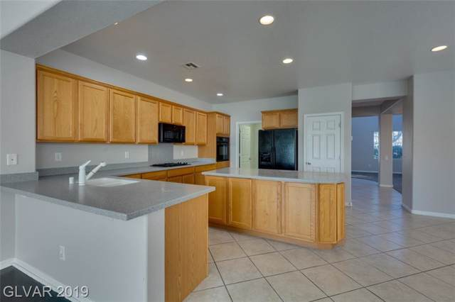 2831 Strathallan, Henderson, NV 89044 (MLS #2153796) :: Signature Real Estate Group