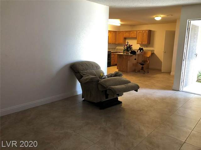 825 Mantis #2, Las Vegas, NV 89110 (MLS #2191316) :: The Mark Wiley Group | Keller Williams Realty SW