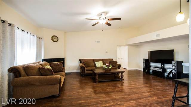 8450 Alta Drive #213, Las Vegas, NV 89145 (MLS #2218293) :: Signature Real Estate Group