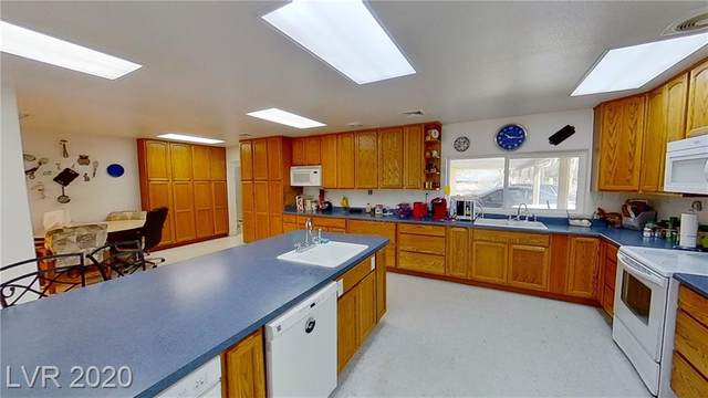 3820 Maverick Street, Amargosa, NV 89020 (MLS #2231100) :: Hebert Group | Realty One Group
