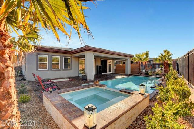 4 Reflection Cove Drive, Henderson, NV 89011 (MLS #2266033) :: Signature Real Estate Group