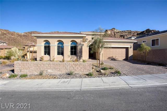 38 Costa Tropical Drive, Henderson, NV 89011 (MLS #2277890) :: Signature Real Estate Group