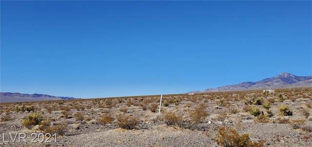 1831 Chess Way, Pahrump, NV 89060 (MLS #2286214) :: Lindstrom Radcliffe Group