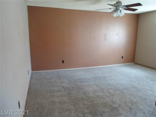 2080 Karen Avenue #61, Las Vegas, NV 89169 (MLS #2296320) :: The Shear Team