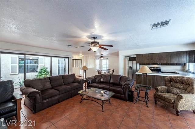 2532 Whippoorwill Lane, Las Vegas, NV 89121 (MLS #2299548) :: Lindstrom Radcliffe Group