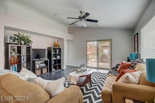 5700 Great Eagle Court, Las Vegas, NV 89122 (MLS #2300453) :: Galindo Group Real Estate
