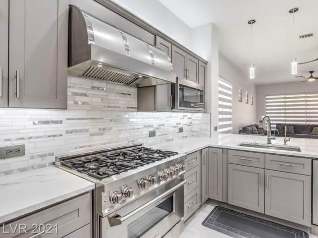 10 Emerald Dunes Circle, Henderson, NV 89052 (MLS #2307668) :: Custom Fit Real Estate Group