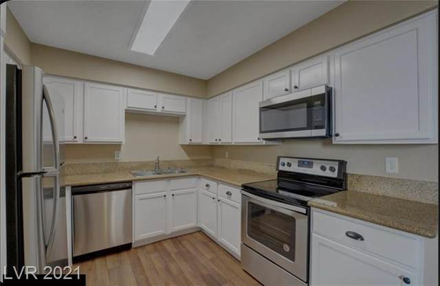 3151 Soaring Gulls Drive #2061, Las Vegas, NV 89128 (MLS #2319444) :: Signature Real Estate Group