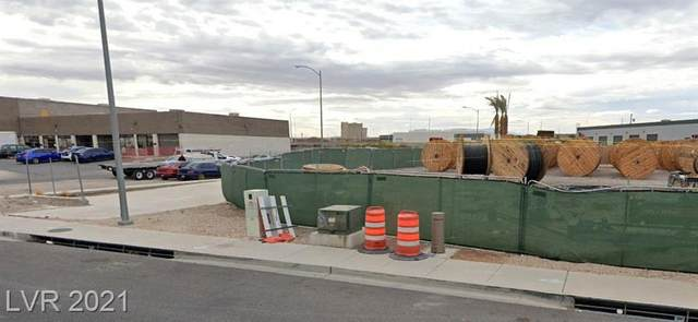 901 Empire Mesa Way, Henderson, NV 89011 (MLS #2327737) :: Lindstrom Radcliffe Group