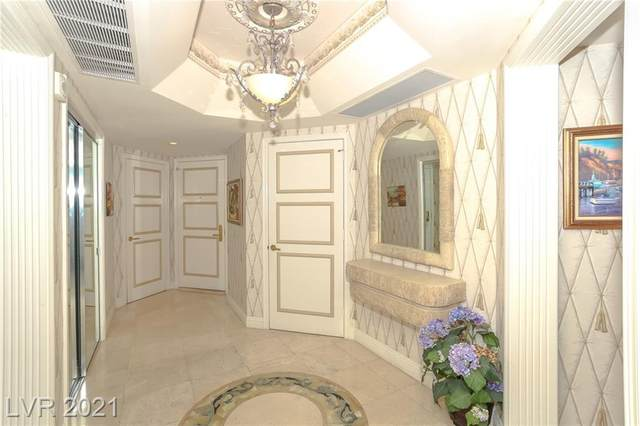 2747 Paradise Road #303, Las Vegas, NV 89109 (MLS #2329042) :: Galindo Group Real Estate