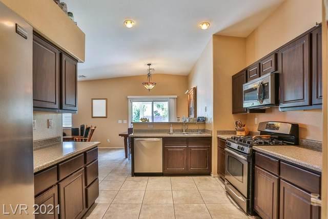 7921 Rushmore Avenue, Las Vegas, NV 89131 (MLS #2333086) :: Custom Fit Real Estate Group