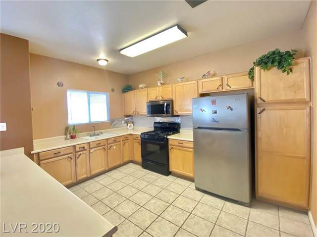 8725 Flamingo #238, Las Vegas, NV 89147 (MLS #2200426) :: The Perna Group