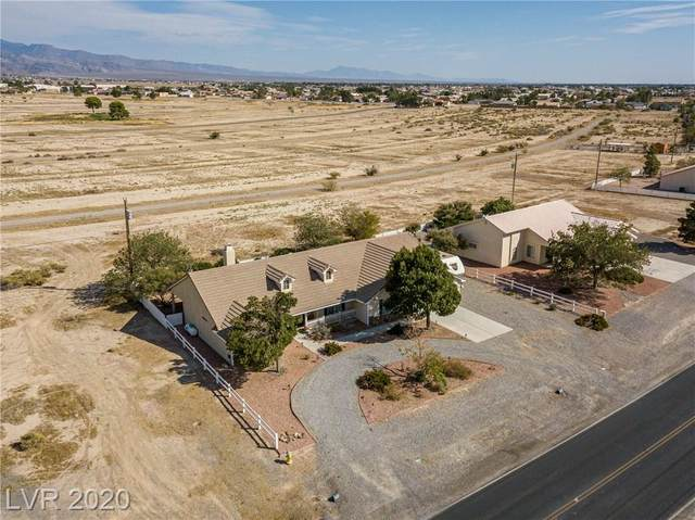 2011 S Blagg Road, Pahrump, NV 89048 (MLS #2238337) :: The Shear Team