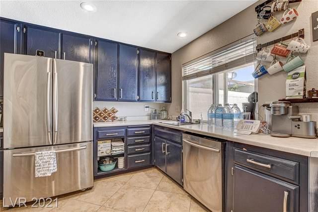 322 Greenbriar Townhouse Way, Las Vegas, NV 89121 (MLS #2302681) :: Signature Real Estate Group
