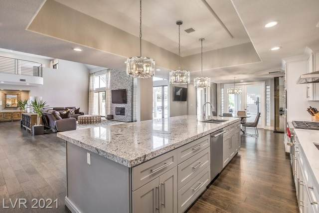 13 Dovetail Circle, Henderson, NV 89014 (MLS #2328386) :: Lindstrom Radcliffe Group