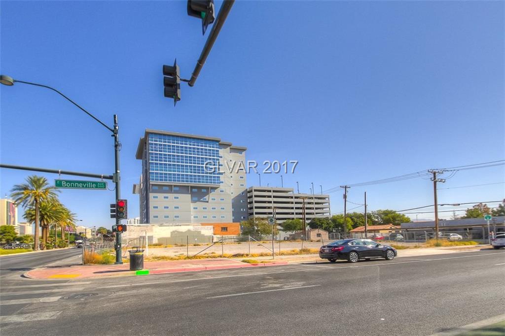 527 Las Vegas Boulevard - Photo 1