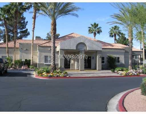 8600 W Charleston #1111, Las Vegas, NV 89117 (MLS #1955836) :: Signature Real Estate Group